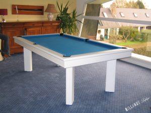 Billard Elégance laqué en blanc avec tapis bleu électrique